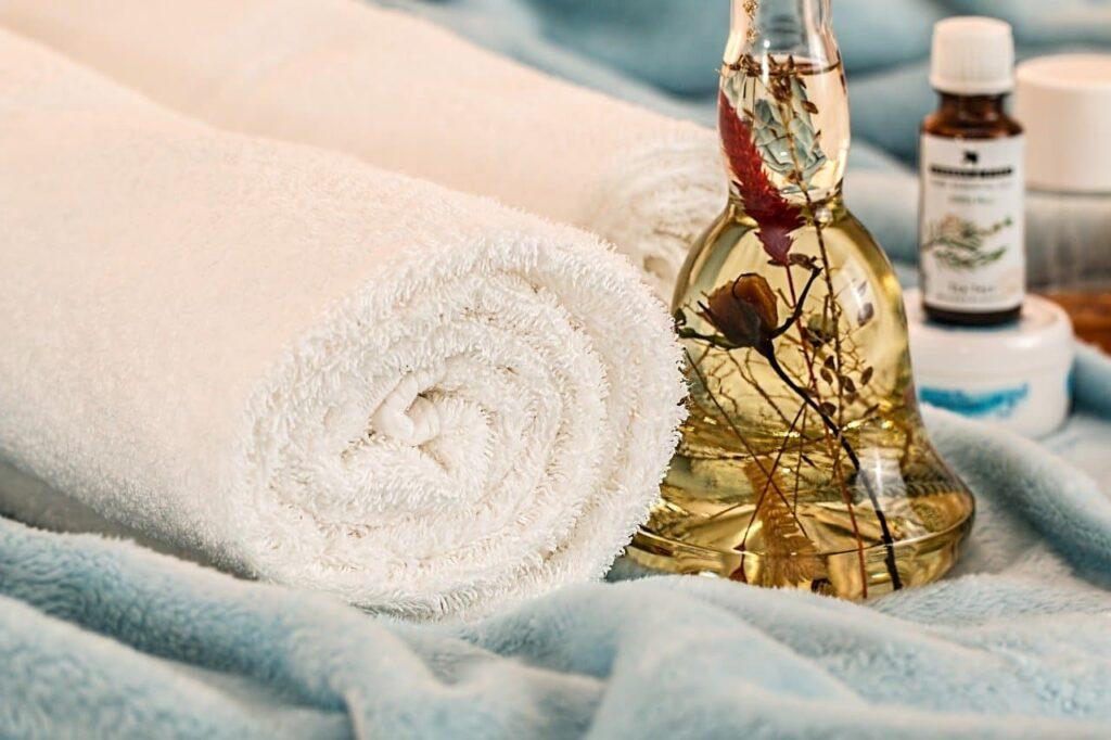 Masaje con aceite de coco para volverte irresistible